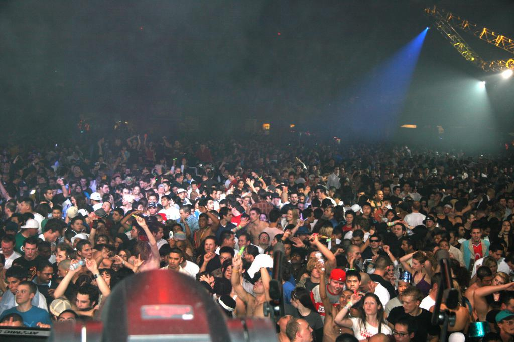 main room crowd